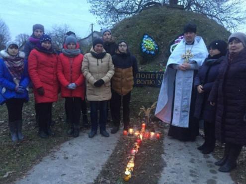 Волинські школярі запалили свічку пам'яті