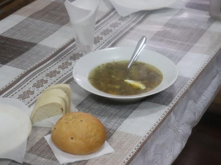 У місті на Волині нужденних почали годувати гарячими обідами