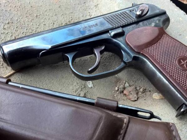 На Волині судили контрактника, який викрав пістолет
