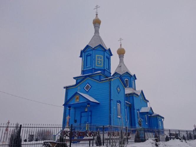 Свято-Покровська церква у селі Бобичі