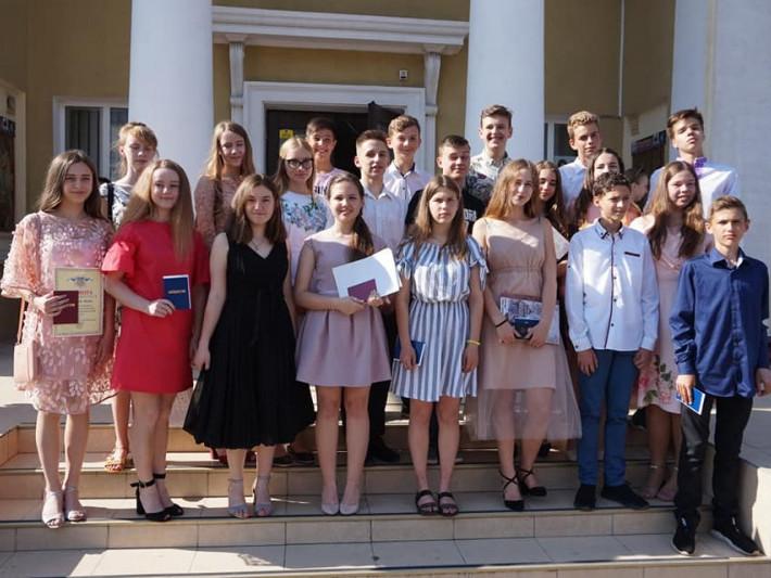 У Володимирі вітали випускників дитячої музичної школи