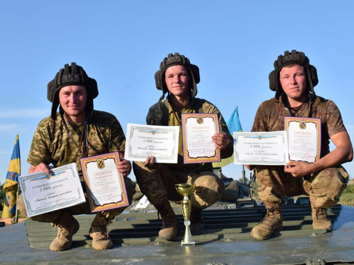 Воїни 14 бригади вибороли перемогу в змаганнях на кращий екіпаж БМП