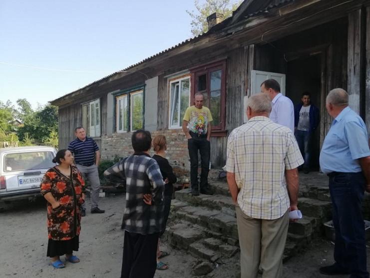 Відвідали депутати і соціальний гуртожиток, що на вулиці Смотрицького