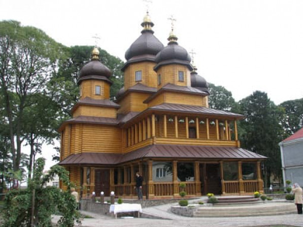 Храм святих мучениць Віри, Надії, Любові та матері їх Софії