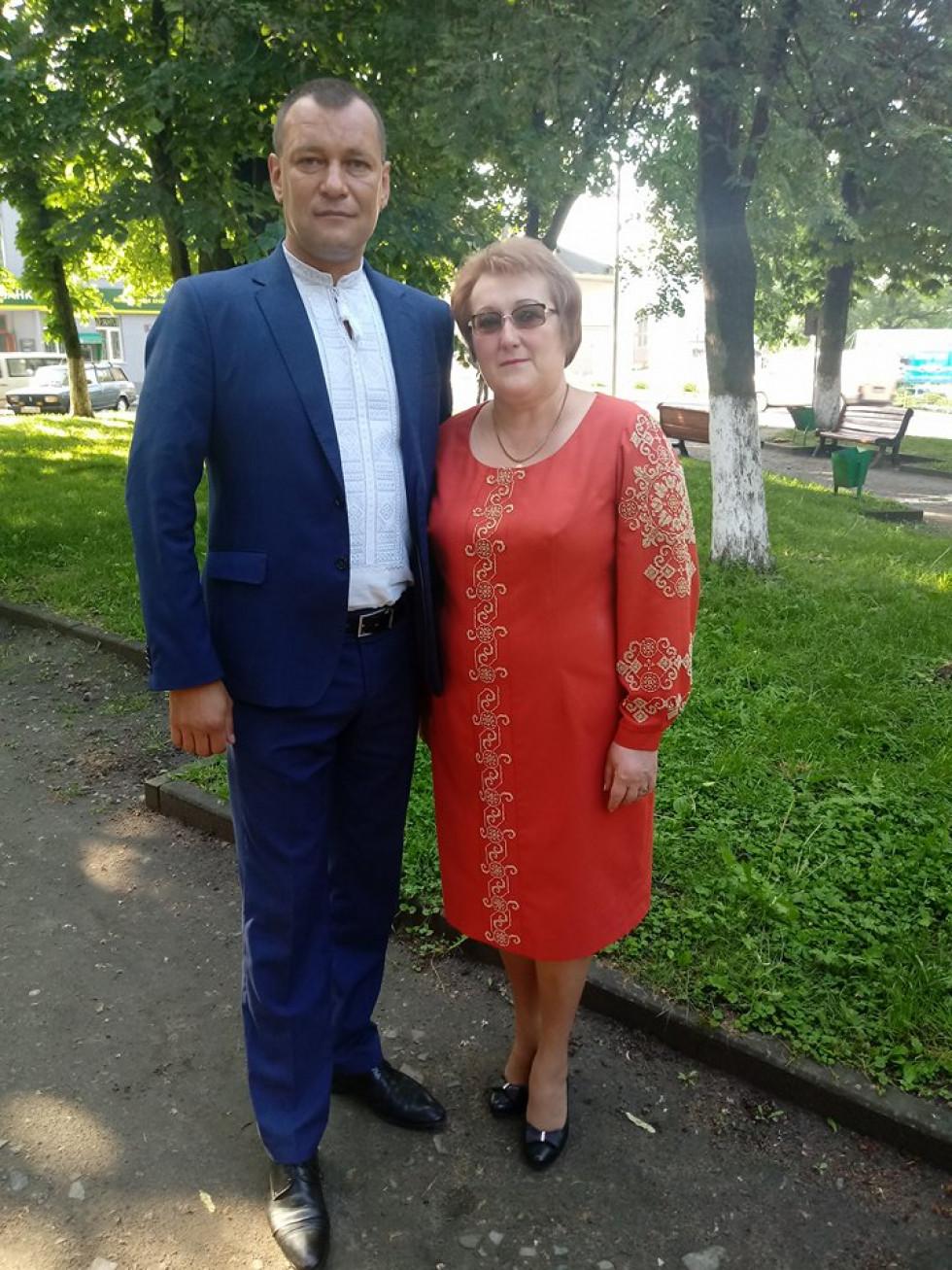 Голова райради Роман Гук зі своєю заступницею Аллою Мельник