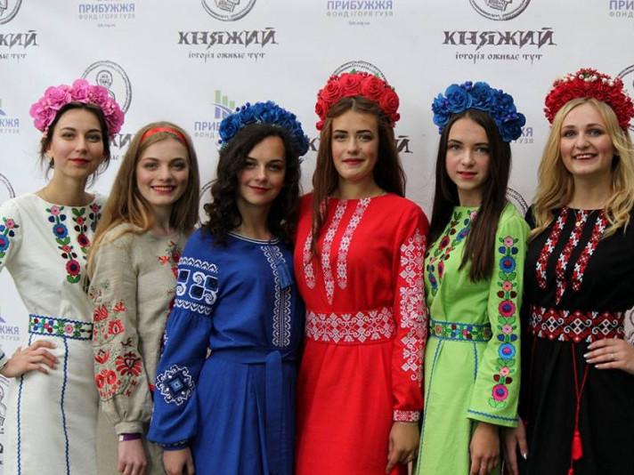 Модукняжої доби на фесті представилидизайнери з Володимира, Нововолинська і Луцька.