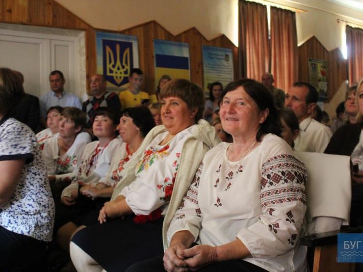 На свято зібралися мешканці та гості села.