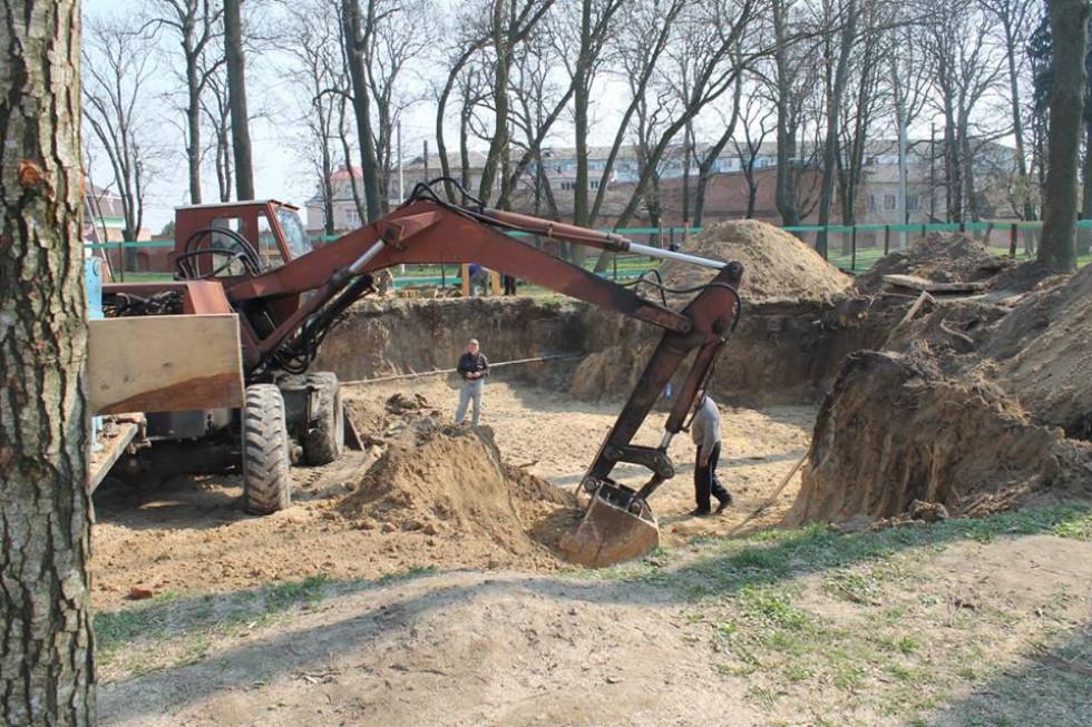 Камінь на фундамент доставляли із Житомирщини.