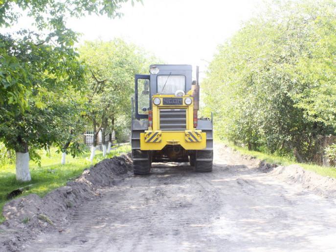 У планах міської влади до кінця року побудувати ще 8-9 місцевих доріг