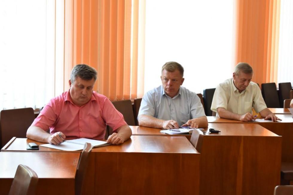 Також фахівці мобільної групи ознайомили присутніх із порядком реєстрації договорів оренди та обговорили питання у сфері земельних відносин