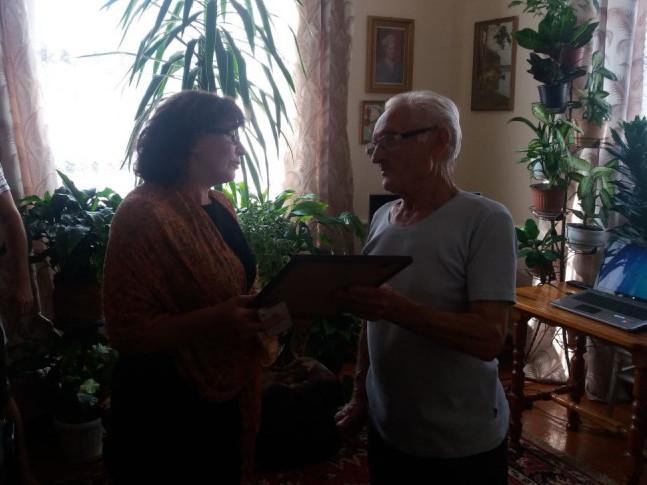 У Володимирі-Волинському вітали ювіляра, ветерана педагогічної праці