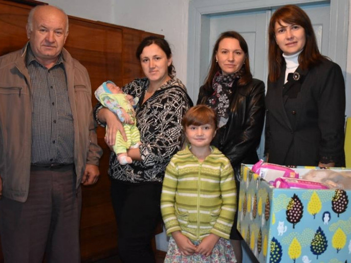 «Пакунки малюка» розвозять по селах Володимирщини