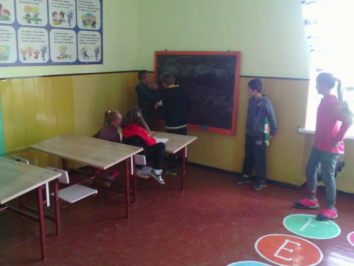 Для Суходільських учнів обладнали місце, де можна погратися у «школу»