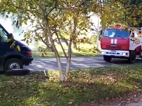 На Волині посеред дороги зайнялася автівка з вугіллям