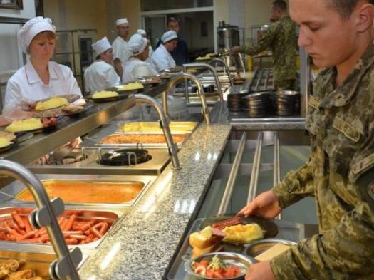 На Волині відбувся ярмарок вакансій - шукали працівників у їдальню для військових