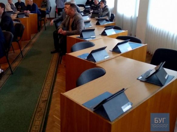 На Волині депутати міської та районної рад ігнорують позачергові сесії