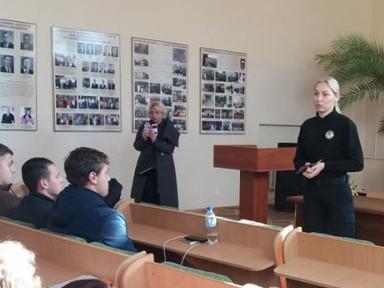 Волинських студентів кличуть на службу в патрульну поліцію