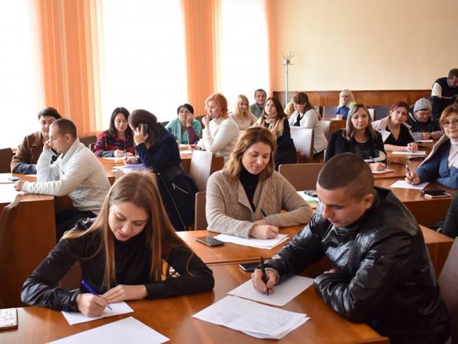 Волинські держслужбовці долучилися до написання Всеукраїнського радіодиктанту