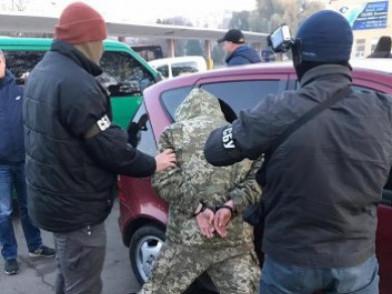 Затриманий прикордонник з відділу «Амбуків» налагодив канал контрабанди на Волині