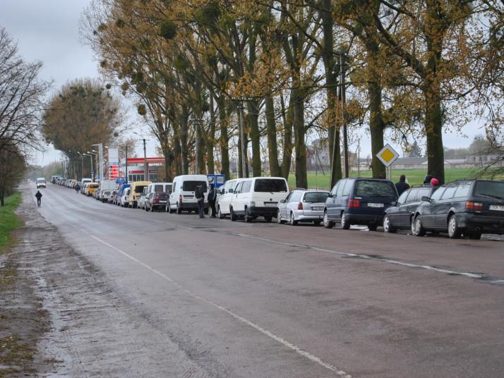 На кордонах із Польщею зібралися чималі черги
