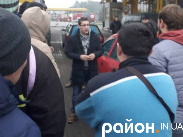 Гоніть бабло: «євробляхи» не пускають в Україну без застави