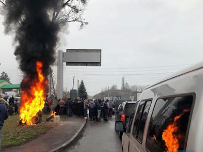 Денис П'ятигорець звинувачує«євробляхарів» в необримані коштів на ремонт доріг