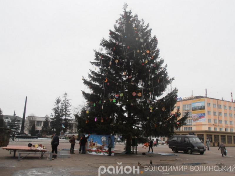 Володимирчан кличуть на відкриття головної ялинки міста