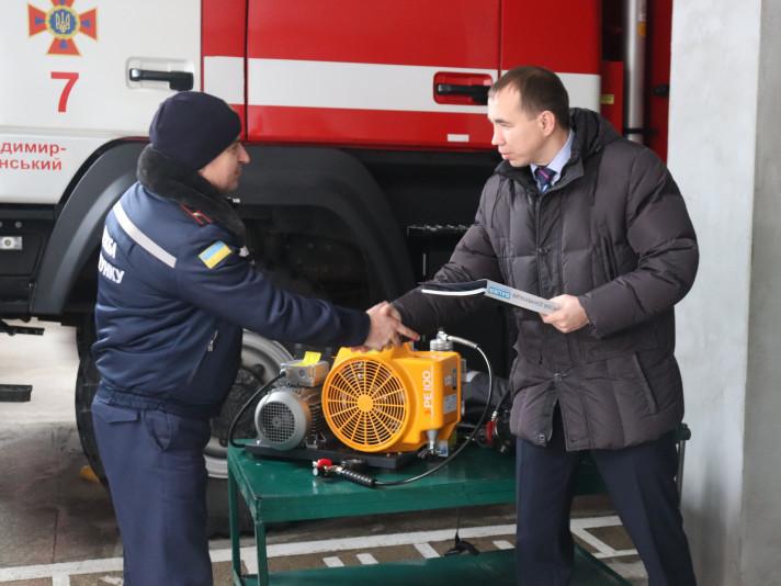 Рятувальники Волині отримали потужну техніку для роботи