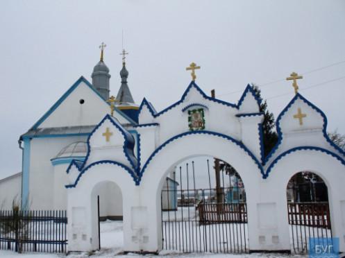 Один священик - два храми: в одному хочуть перейти в ПЦУ, в іншому – думають