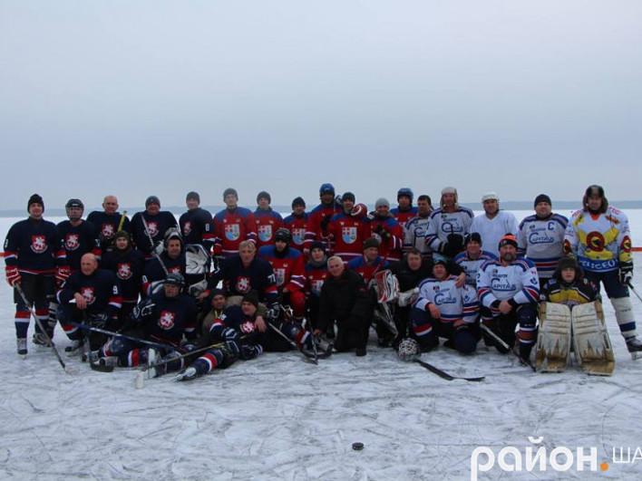 Володимирська команда виборола срібло на хокейному турнірі