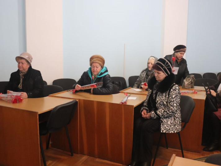 У Володимирі мер зустрівся з родинами загиблих воїнів-інтернаціоналістів
