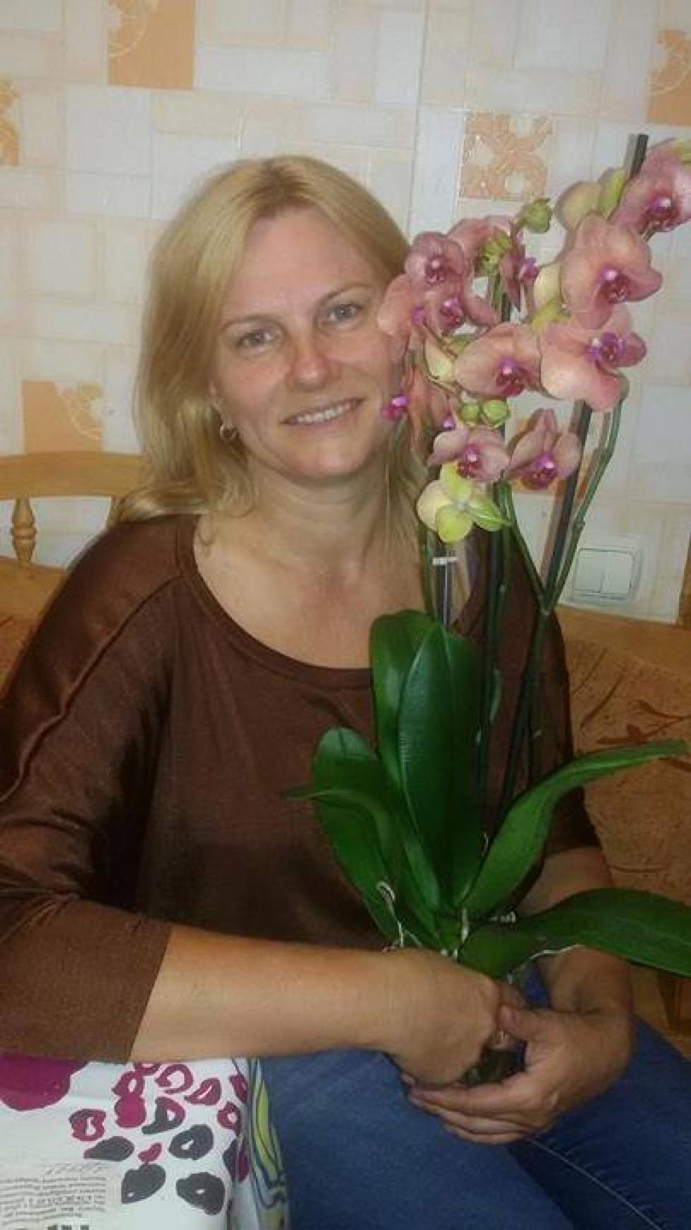 Я люблю орхідеї. Це найдавніші і дуже прекрасні квіти.