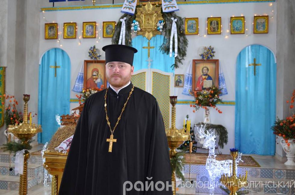 Матвій Олійник, настоятель Свято-Пантелеймонівської парафії селища Люблинець